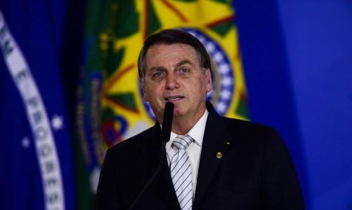 O presidente Jair Bolsonaro durante cerimônia de sanção do projeto de lei (PL 1.095/2019) que aumenta pena para crimes de maus-tratos a animais.