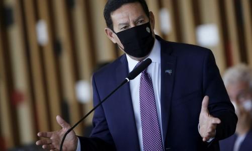 O vice-presidente Hamilton Mourão durante entrevista coletiva após reunião do Conselho Nacional da Amazônia Legal.