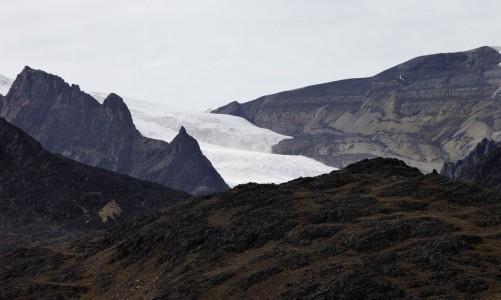 2021-01-04t170035z_1_lynxmpeh030wq_rtroptp_4_bolivia-glaciares