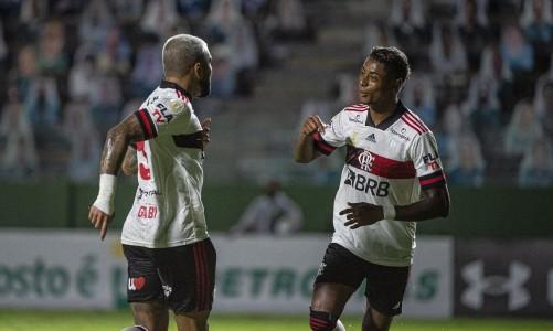 Flamengo vence Goiás e enfrenta Palmeiras na quinta-feira