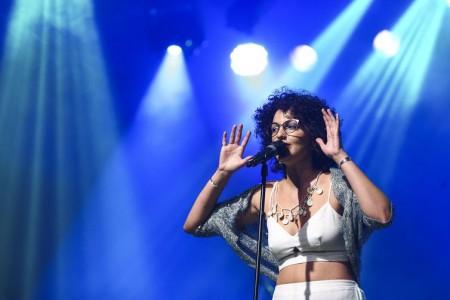 Natália Pires durante participação no Festival de Música Nacional FM.