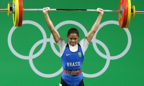 RIO DE JANEIRO 05/08/2016 - LEVANTAMENTO DE PESO FEMININO - RIO CENTRO 2 - Levantamento de peso na categoria feminina até 53 quilos nas Olimpíadas Rio 2016, no Rio de Janeiro. Na foto: Rosane dos Santos. Flávio Florido/Exemplus/COB