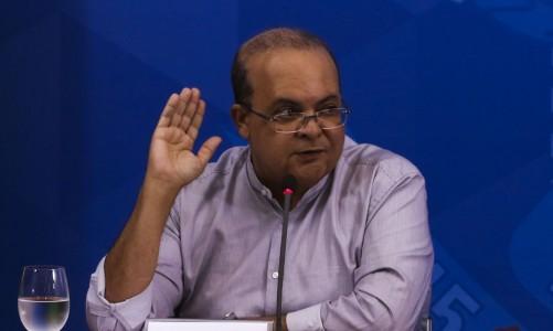 O governador do DF, Ibaneis Rocha, durante coletiva de imprensa no Palácio do Planalto