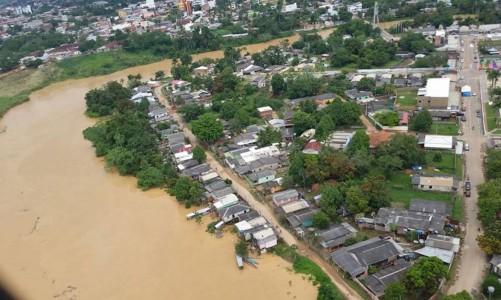 Em Assis Brasil o Rio Acre já baixou mais de 3,5 metros. Agora, a preocupação maior é em Brasileia e Epitaciolândia, pois o nível do rio continua subindo (Divulgação Secom Acre)