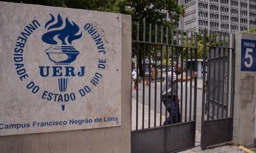 Portões são fechados às 13h para o segundo dia do Exame Nacional do Ensino Médio (Enem) 2020, na Universidade Estadual do Rio de Janeiro(UERJ).