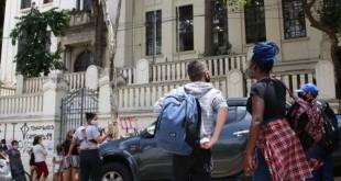 São Paulo - Início das aulas presenciais durante a pandemia de covid-19 na Escola Estadual Caetano de Campos, na Consolação.
