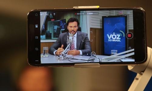 O ministro das Comunicações, Fábio Faria, participa do programa A Voz do Brasil