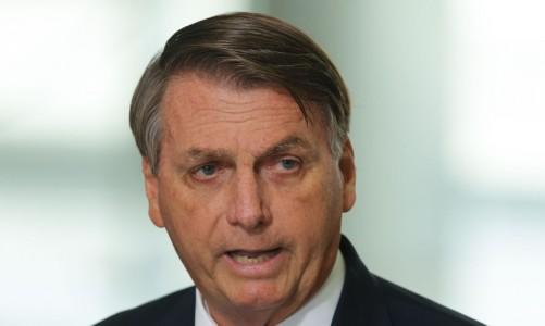 O presidente Jair Bolsonaro faz declaração à imprensa