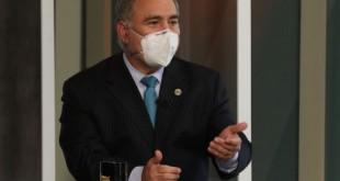 O ministro da Saúde, Marcelo Queiroga, participa do programa Sem Censura, na TV Brasil