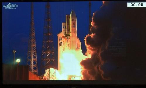 Primeiro satélite geoestacionário brasileiro para defesa e comunicações estratégicas é lançado ao espaço
