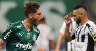 O jogador Matías Viña, da SE Palmeiras, comemora seu gol contra a equipe do Santos FC, durante partida válida pela décima primeira rodada, do Campeonato Paulista, Série A1, na arena Allianz Parque. (Foto: Cesar Greco)