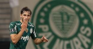 O jogador Matías Viña, da SE Palmeiras, comemora seu gol contra a equipe do C Universitario D, durante partida válida pela fase de grupo, da Copa Libertadores, na arena Allianz Parque. (Foto: Cesar Greco)