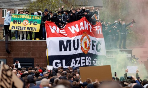 manchester_united_protesto_torcedores