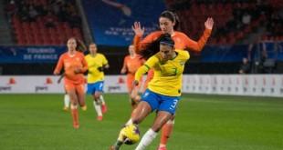 Pia Sundhage chama zagueira Antonia para amistosos da seleção feminina