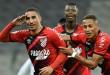 Athletico-PR vira para cima do Atlético-GO e lidera o Brasileirão
