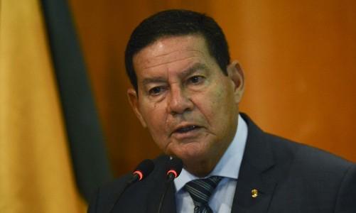 """O vice-presidente da República, Hamilton Mourão, participa da abertura do seminário """"Agro em Questão""""."""