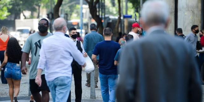 Covid-19: Brasil soma 541,2 mil mortes e vai a 19,3 milhões de casos
