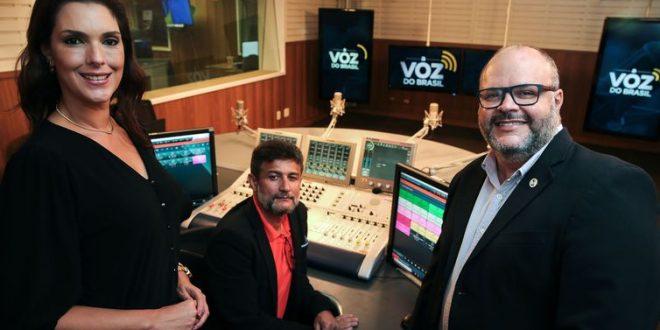 Com 70 milhões de ouvintes, A Voz do Brasil é celebrada no Sem Censura